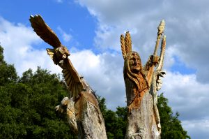 Red Hawk Ranch Tree carving